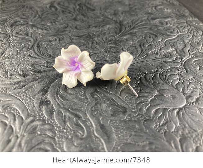 Hand Made Clay Flower Earrings in White and Purple - #afTzpzxzK7o-2
