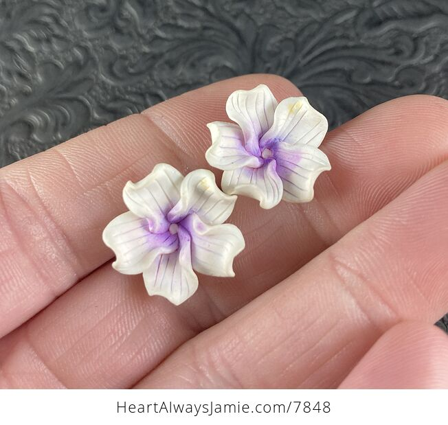 Hand Made Clay Flower Earrings in White and Purple - #afTzpzxzK7o-1