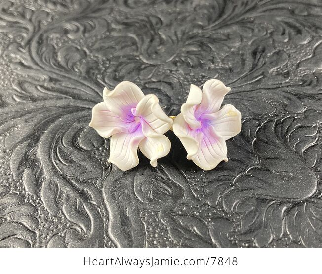 Hand Made Clay Flower Earrings in White and Purple - #afTzpzxzK7o-3