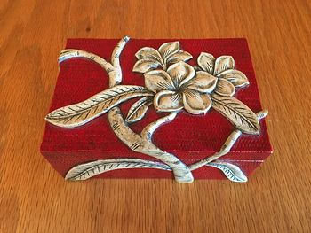 Stunning Red and Beige Carved Stone Frangipani Plumeria Tropical Flower Jewelry Trinket Box #mCNOuoEOQZE