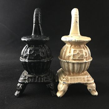Vintage Pot Belly Stove Cast Iron Black and White Salt and Pepper Shakers #3uxbPTNsppI